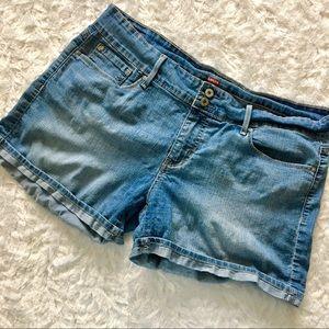denizen / levi's cuffed blue denim shorts size 14